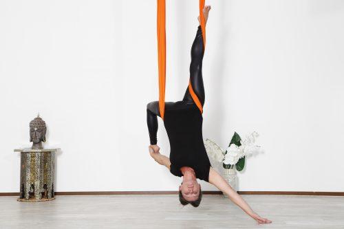 studio yoga per tutti aerial yoga silvia zamboni